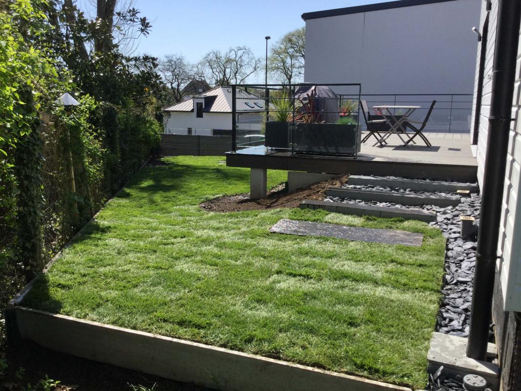 Création D Une Terrasse En Composite Avec Jardinière Vannes